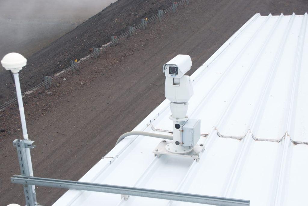 Cameras-mounted-rooftop-Gemini-Hawaii